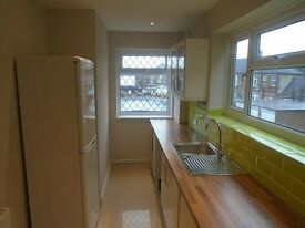 NEWBURY PARK - Stunning 2 Bed apartment, available NOW!!