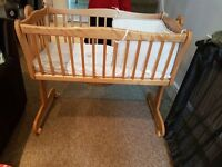Rocking crib with mattress, bumper and blanket
