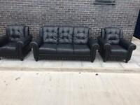 Dfs heavy leather black chesterfield sofa set can deliver locally 👍🏻🚛😁