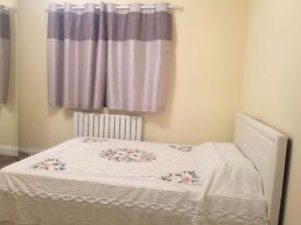 2 double bedrooms for Rent in shared house