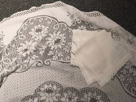 Round Polyester white lace tablecloth and burgundy/red under cloth