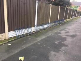 20ft of quality bow top steel railings / wall toppers £100