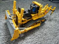 LEGO Technic Motorized Bulldozer (8275) - w. Power Functions - 100% Complete and Working
