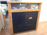 Free -chest of drawers