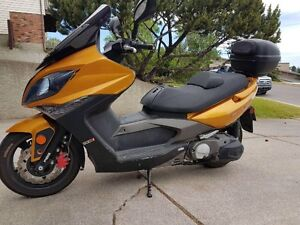500CC Kymco Scooter LOW KMS