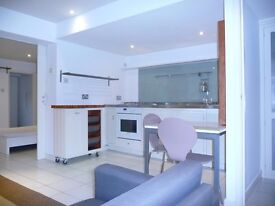 Available now, lovely 1 bed flat in Primrose Hill