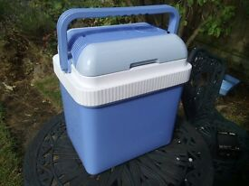 12v Thermoelectric 24L car/camping fridge/cooler box(also works as hot box) As new.