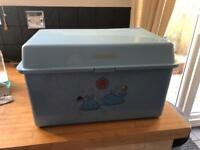 Baby changing box
