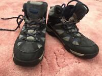 Mountain life walking boots size 4