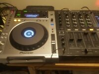 Pioneer CDJ-850 DJ Decks and DJM- 700 mixer ( Not CDJ 900)