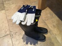 Men's Gill sailing wellingtons (UK size 11) and gloves (XL)