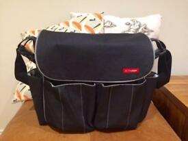 Skip Hop Dash Deluxe changing bag