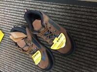 Hi-Tec safe hike composite safety shoe