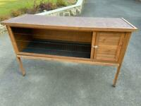 Rabbit hutch - never been used