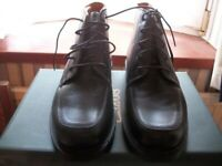 BRAND NEW CLARKS MENS BLACK LEATHER LACE UP DESERT ANKLE BOOTS UK SIZE 11