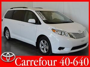 2016 Toyota Sienna LE V6 8 Passagers Portes Coulissantes Electri