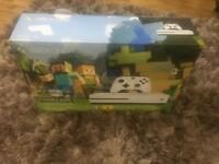* LIKE NEW * MINE CRAFT EDITION XBOX ONE S 500GB + 2 GAMES IMMACULATE FULLY WORKING