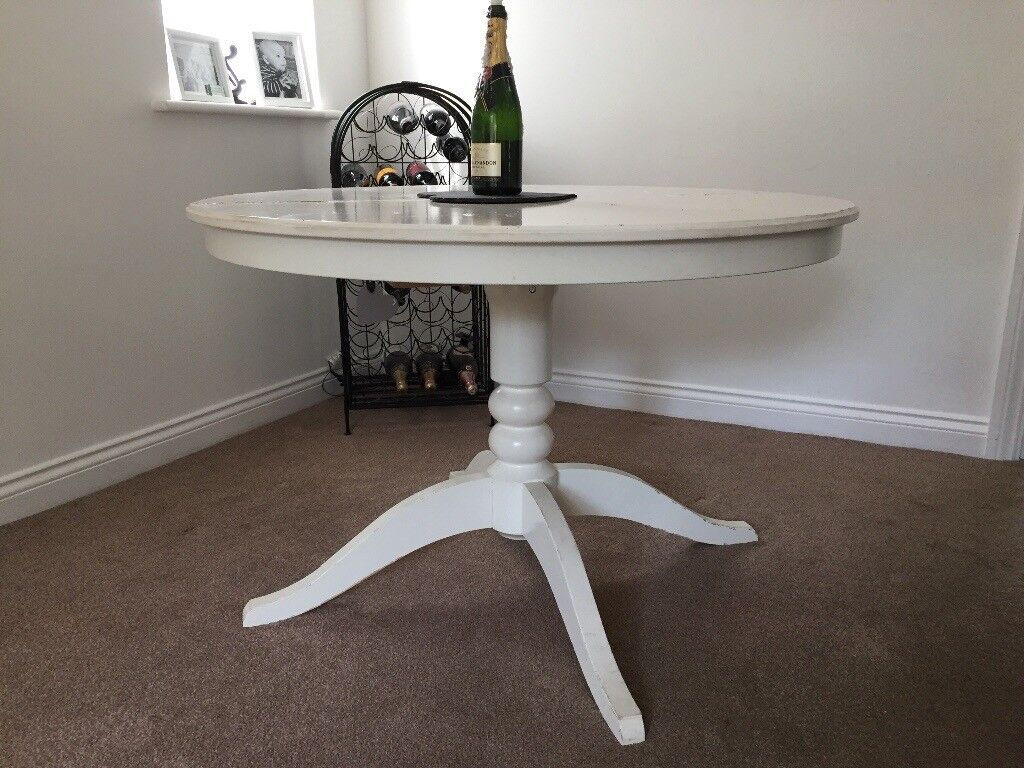 White Round Extendable Dining Table In Sileby Leicestershire Gumtree