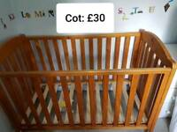 Baby/toddler cot