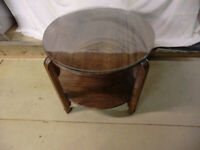 VINTAGE 1920's ROUND COFFEE TABLE WITH GLASS TOP