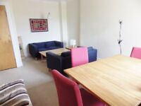 2 bedroom fully furnished 3rd floor flat to rent on Causewayside, Newington , Edinburgh