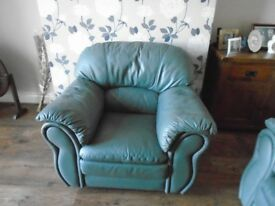 Green armchair clean and very good condition