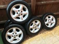 """4x Land Rover freelander 16"""" alloy wheels with nearly new tyres"""