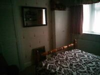 InLadysHouse DoubleRoom Share EatInKitchen 2BathShower3WC Garden IncludesBillsNet VeryNearBusPark