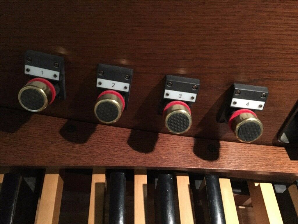 Rodgers Insignia 577 two manual organ in dark oak with illuminated drawstop  console | in Macclesfield, Cheshire | Gumtree