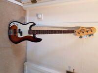 Squier by Fender, Precision Bass Sunburst Left Handed