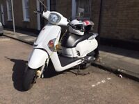 2012 Kymco Like 125, very reliable, MOT until Aug 2018, Taxed until June 2018, two helmets included