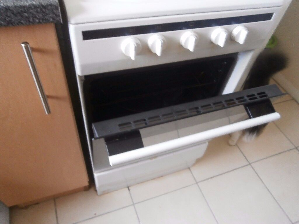Amica Electric oven (used very little)