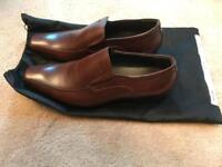 Men's brown leather fashion shoe, size 9. Brand new.