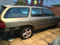 Ford Mondeo Estate ST24. 2.5cc Year 2000 for spares