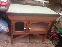 WELL MADE RABBIT HUTCH BRAND NEW JUST MADE