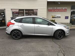 2013 Ford Focus SE NAVIGATION SYSTEM CLEAN CAR PROOF Windsor Region Ontario image 9