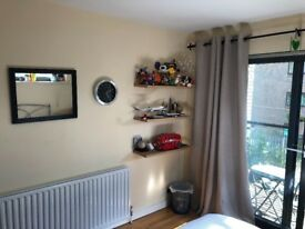 Lovely double room with large balcony in popular Chiswick