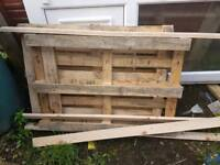 Free pallet for fire wood