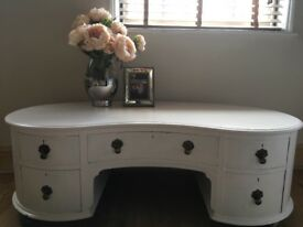 Shabby chic drawers/coffee table cream