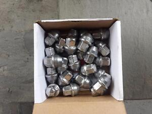 BRAND NEW TAKE OFF 2016 FORD F150 LUG NUT SET OF 24.