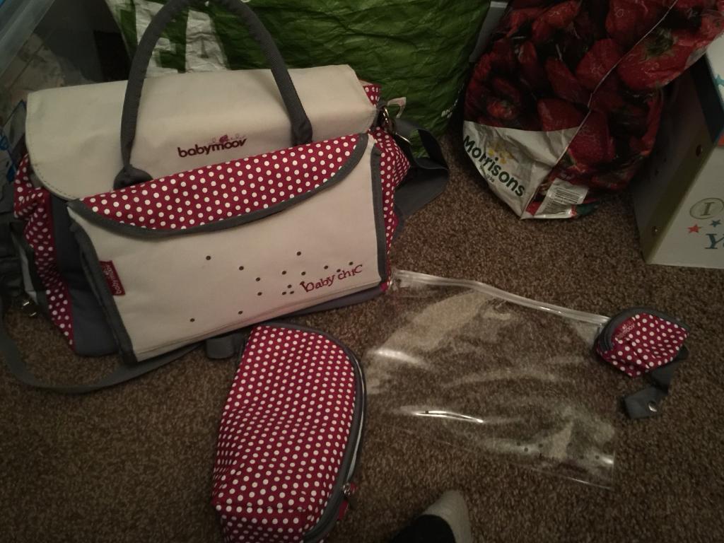Baby moov changing bag