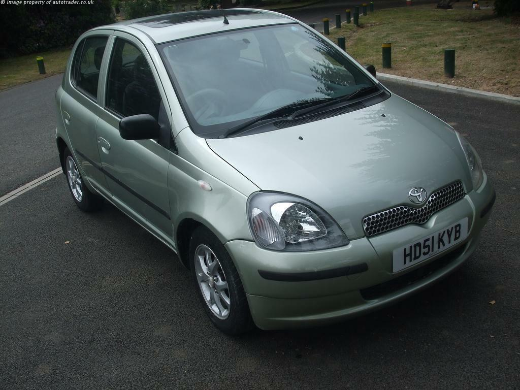 toyota yaris cdx auto 2002 5 door 52000 mileage excellent condition f s h in slough. Black Bedroom Furniture Sets. Home Design Ideas
