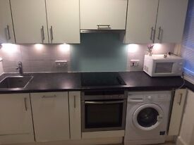 Newly refurbished One Bedroom Flat situated in Glendower Mansions in Zone 2