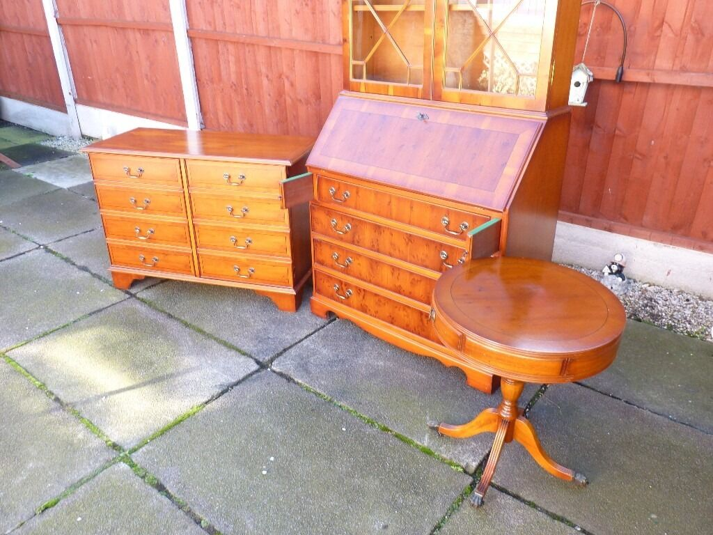 YEW WOOD FINISH DRUM TABLE/DRAWERS, NICE CONDITION, TINY MARK ON TOP, BARGAIN £25, CAN DELIVER
