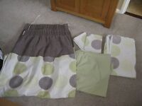 Double bed set with mathing curtains