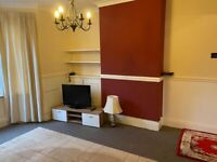 SINGLE ROOM TO RENT WITH QUICK ACCESS TO HEATHROW AND LONDON WATERLOO
