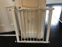 Lindam Easy-Fit Plus Deluxe Safety Gate (2 for sale)