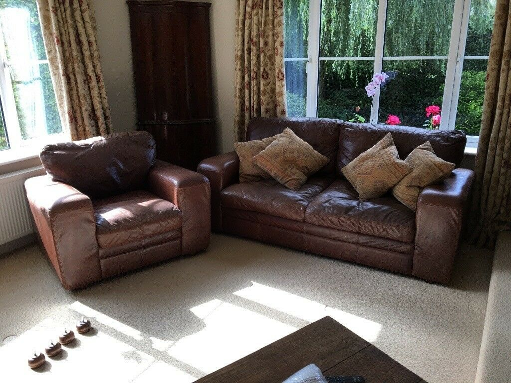 Large 3 Seater Vintage Style Leather Sofa And Armchair With Ter Cushions 4 Spare Feet