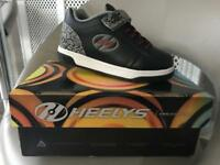 Heelys like new worn once £20 ovno Size Jnr 13