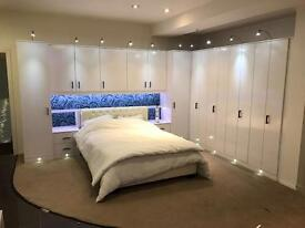 STUNNING DESIGNER BEDROOM FITMENT HIGH GLOSS WHITE WOW EX DISPLAY RRP£5000